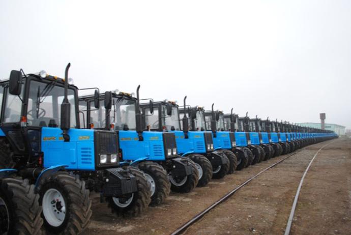 Ázerbajdžán obnovuje výrobu traktorů