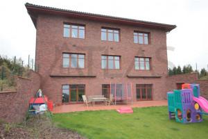 Exterior - For Rent: Large Representative 8-bedroom 700 sq.m Villa Prague 6 - Nebusice