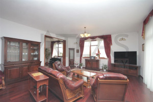 Spacious living room with wood floors - For Rent: Large Representative 8-bedroom 700 sq.m Villa Prague 6 - Nebusice