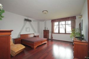 Large bedroom - For Rent: Large Representative 8-bedroom 700 sq.m Villa Prague 6 - Nebusice