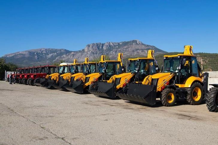 """Krymská """"Massandra"""" zakoupila 104 jednotek nových automobilů a zemědělských strojů"""