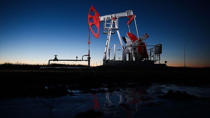 S&P varuje 13 ropných a plynárenských společností před nižšími ratingy