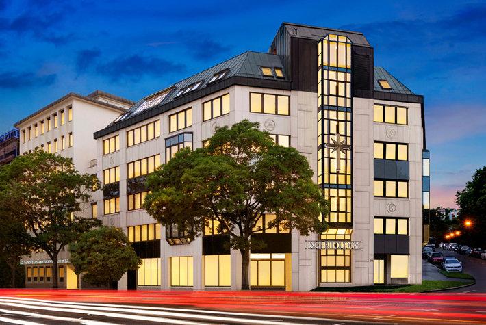 Scientologická církev Stuttgart © 2020 Church of Scientology International. Všechna práva vyhrazena.